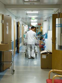 Koronavirüs enfeksiyonunda hangi koşullarda karantina uygulanıyor?