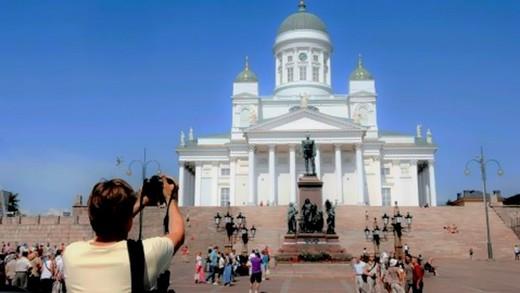 Finlandiya'ya kısa süreliğine mi geliyorsunuz?