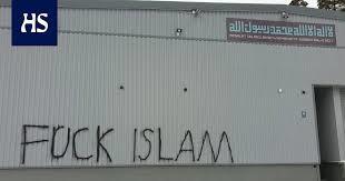 Helsinki'de mescide saldırı