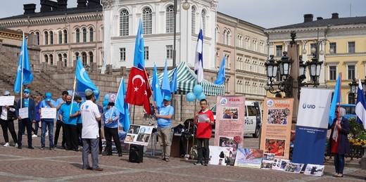 Uygur Türkleri Üzerindeki Çin Baskıları Protesto Edildi