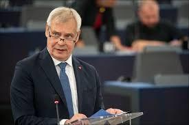 Finlandiya'da Başbakan Antti Rinne istifasını verdi