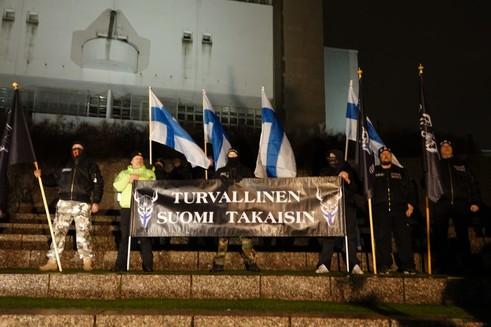 Finlandiya'da ırkçı mitinglerin gölgesinde bağımsızlık günü kutlamaları