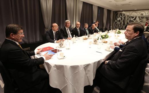 Davutoğlu, Finlandiya Tatar Türklerinden heyeti kabul etti