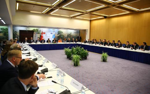 Başbakanlar Davutoğlu ve Sipilä, Finlandiya-Türkiye İş Forumu'na katıldı