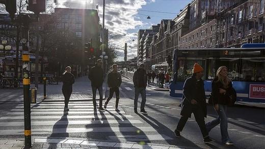 İsveç'in Kovid-19'la sıra dışı mücadelesi