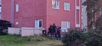 Espoo'da bir ihbar üzerine eve giren polise bombalı tuzak kuruldu