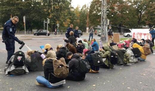 Polisten barışçıl protestoculara karşı biber gazı kullanımına ilişkin rapor