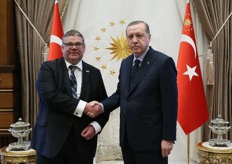Timo Soini : Türkiye ile görüşmek zorundayız